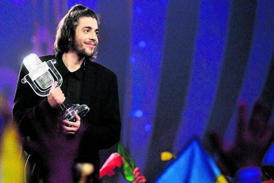 Sein bisher größter Triumph: Im Mai hat Salvador Sobral (27) völlig  überraschend den Euroviosion Song Contest in Kiew gewonnen.