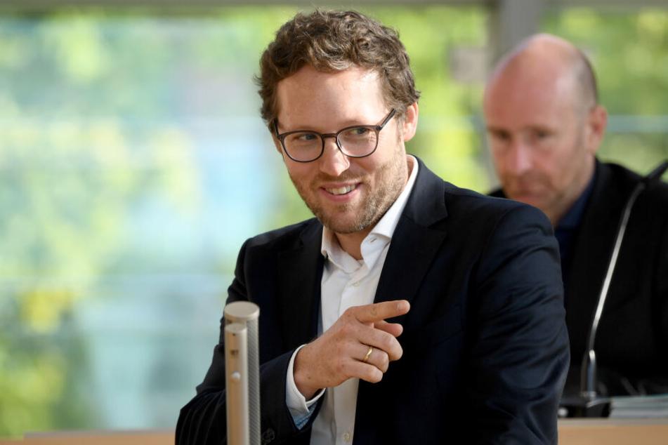 Jan Philipp Albrecht, Umwelt- und Landwirtschaftsminister von Schleswig-Holstein, bei einer Rede im Landtag.