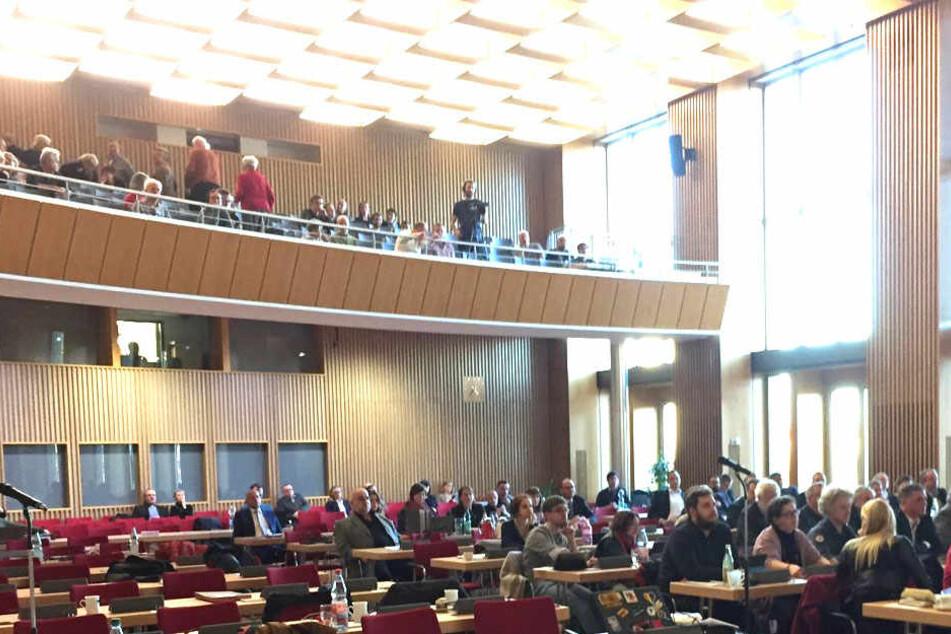 Dresden: Eklat im Stadtrat: Die Linke verlässt geschlossen den Saal!