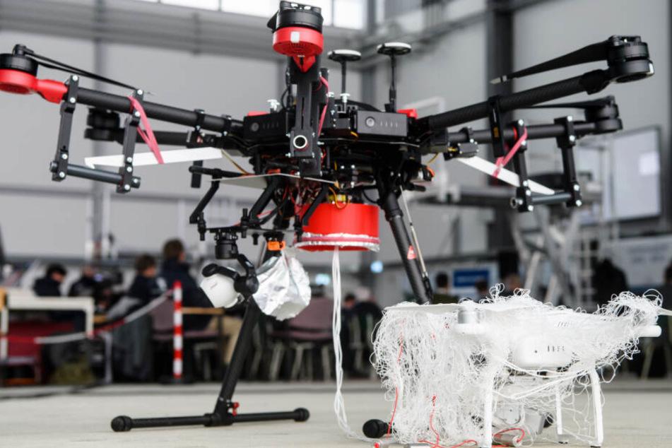 Gefahr für Menschenleben: So wird Jagd auf Drohnen gemacht