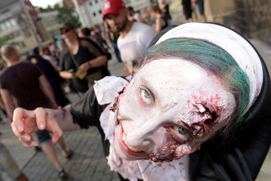 Am Sonntag wandelten hunderte lebende Tote durch die Straßen von Frankfurt.