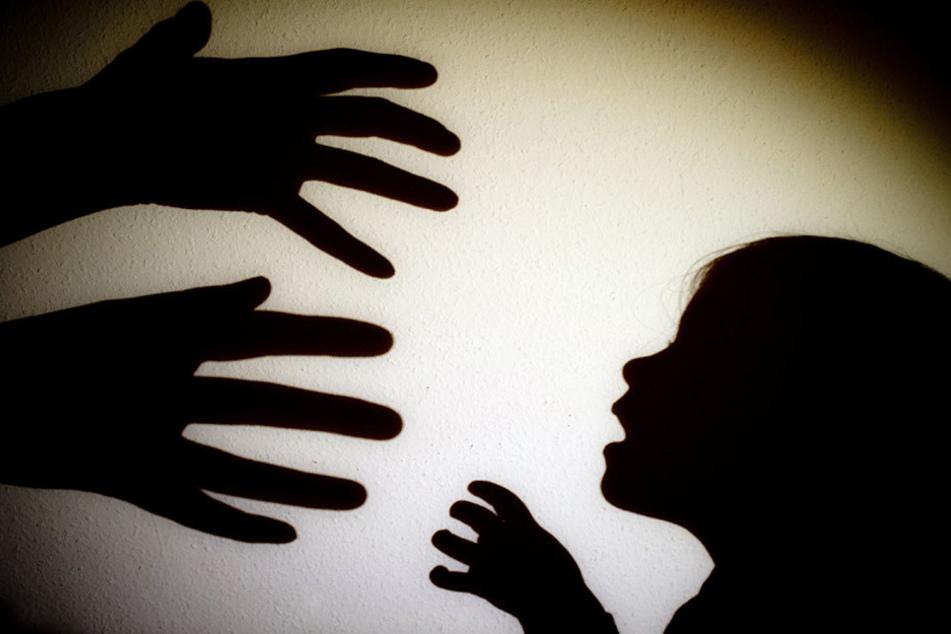 Das Kind wurde über Jahre misshandelt (Symbolbild).