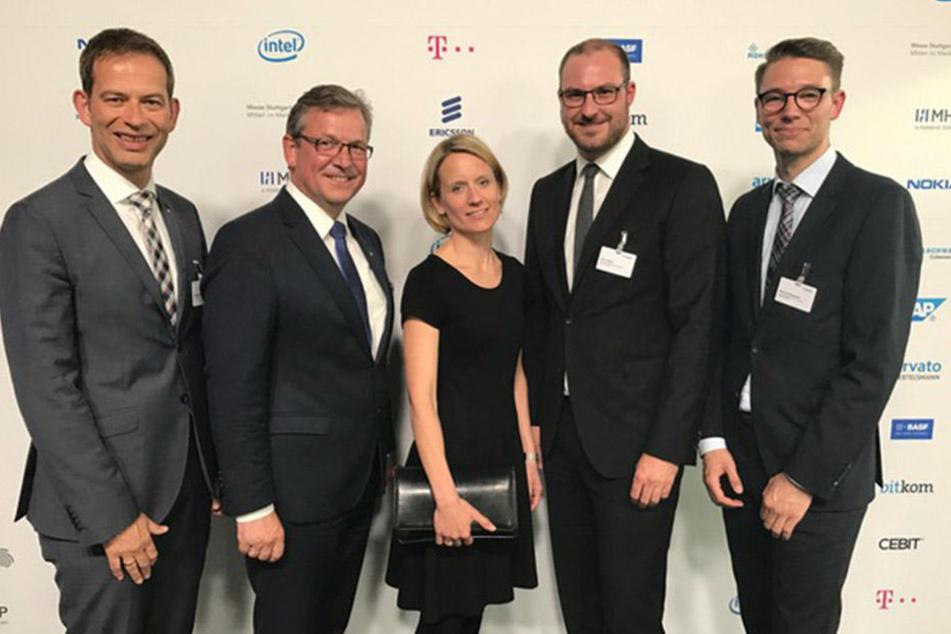 In Ludwigshafen dabei: (v.l.) Christoph Plass (Vorstand Unity AG), Michael Dreier (Bürgermeister), Christiane Boschin-Heinz (Projektkoordinatorin), Dr. Arno Kühn und Marcel Schneider (beide Fraunhofer IEM).