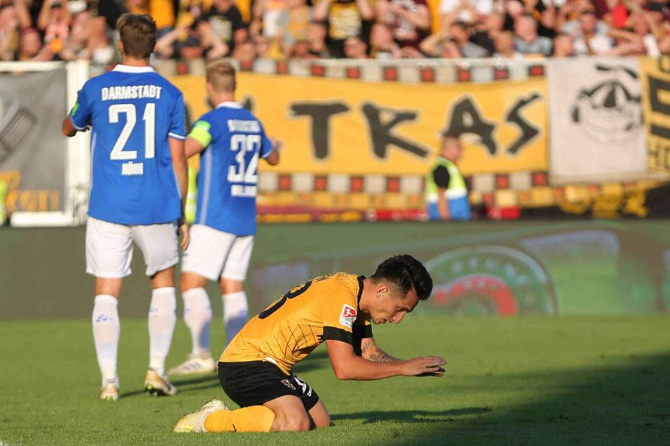 Baris Atik ärgert sich nach seiner großen Chancen, Dynamo in Darmstadt zum Sieg zu schießen.