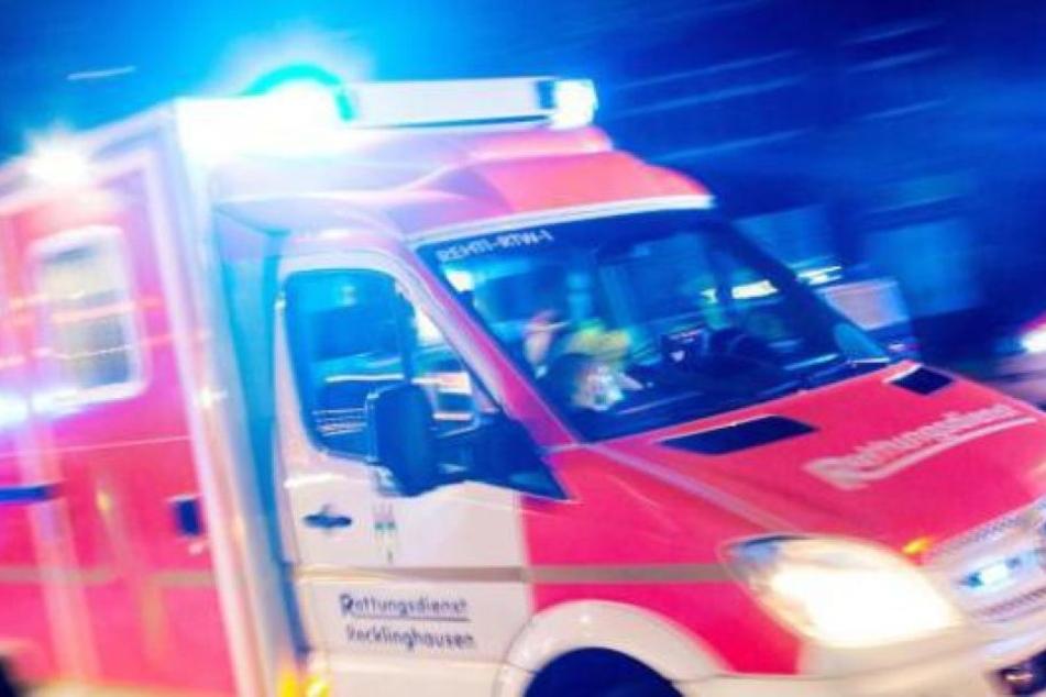 Rettungskräfte versuchten noch, den Mann zu retten. Doch alle Wiederbelebungsmaßnahmen blieben erfolglos.