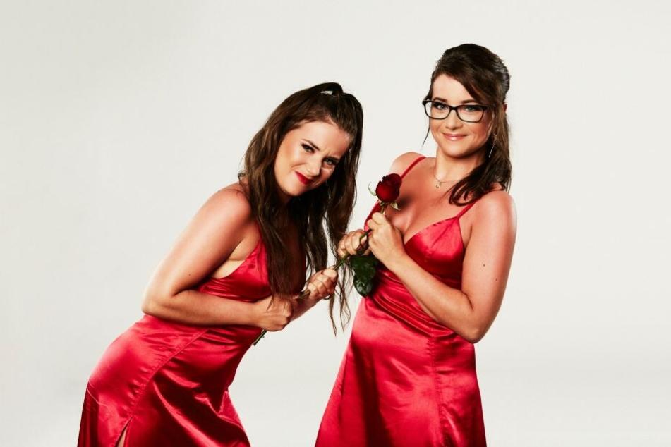Die Zwillinge Isabelle und Laureen aus Ludwigshafen kämpfen um die Rose und das Herz des Bachelors.