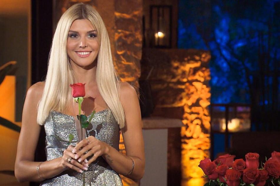 Wer bekommt stattdessen eine Rose von der Bachelorette?