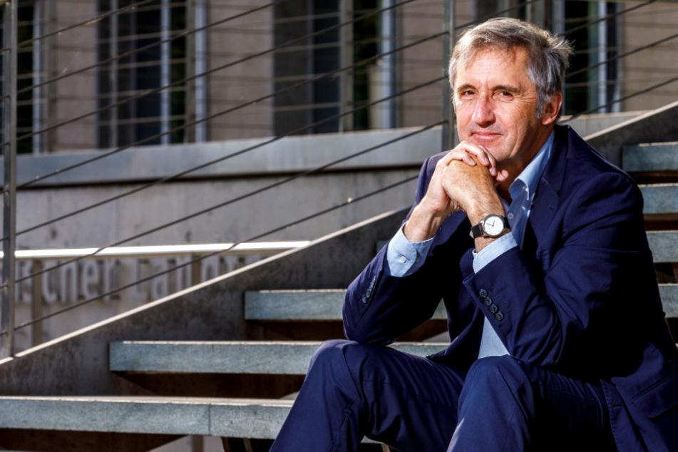 Theologe, Bürgerrechtler, parteiloser Politiker: Seit 2019 ist Frank Richter (60) Abgeordneter im Sächsischen Landtag, gehört der SPD-Fraktion an.