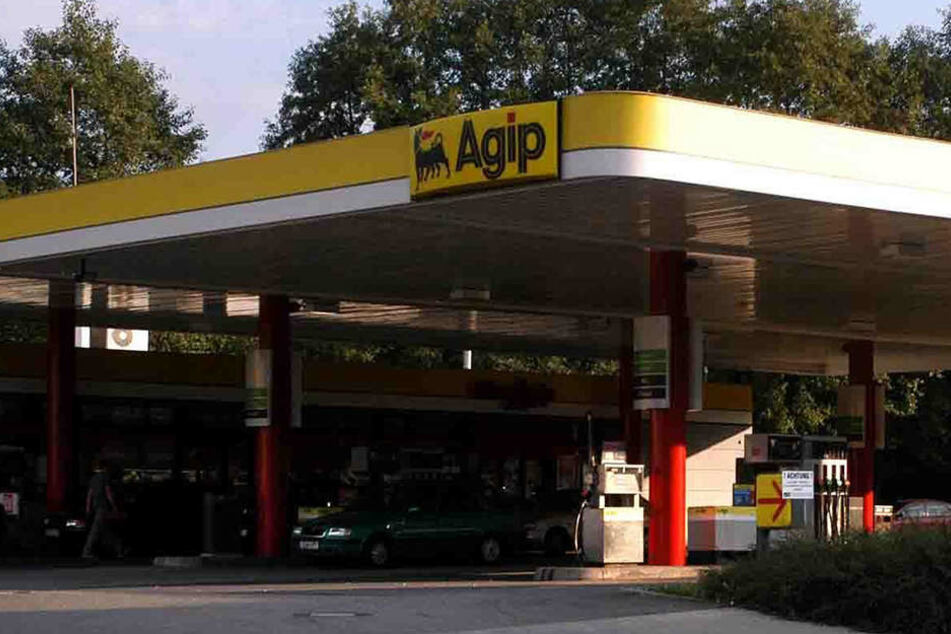 Tankstellenräuber rennt betrunken gegen Scheibe und wird gefasst