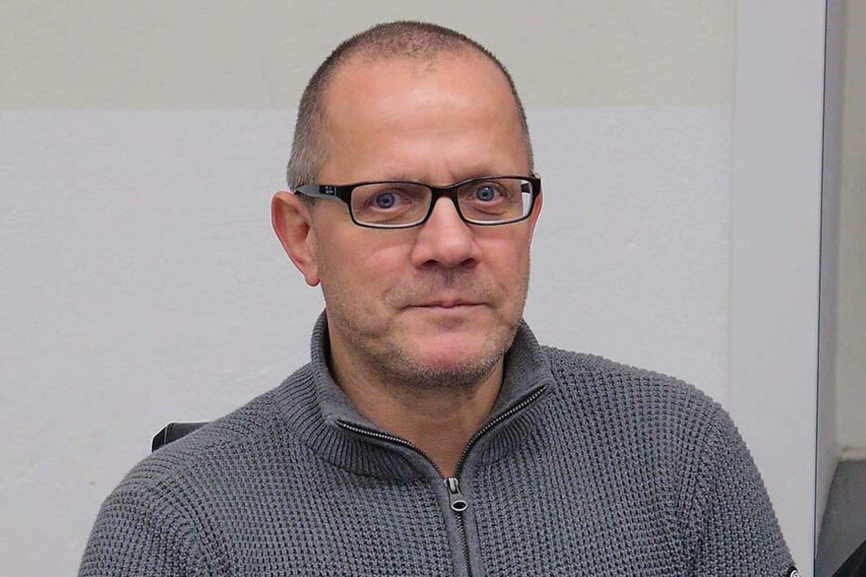 """Ingolf Knajder (53) hatte am 12. Oktober """"Solchen Menschen wünsche ich den baldigen Tod und nichts anderes"""" auf FB gepostet."""