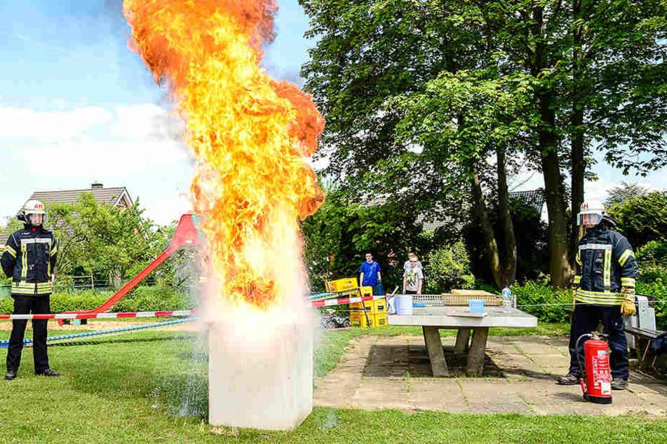 Auch ein richtiges Feuer wurde den Leuten geboten.
