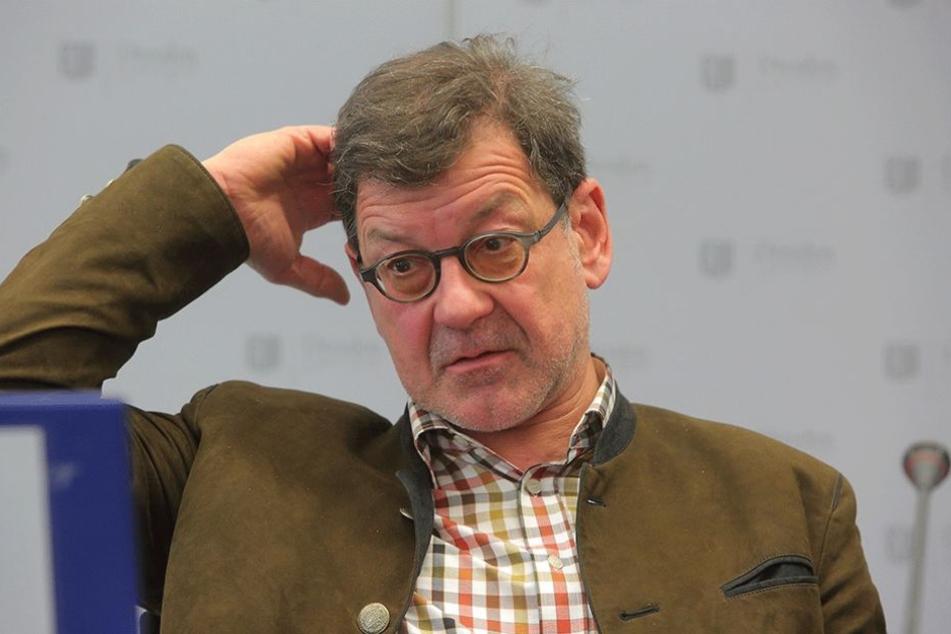 Chef des Straßen- und Tiefbauamtes, Professor Reinhard Koettnitz (62), muss den BRN-Hickhack ausbaden