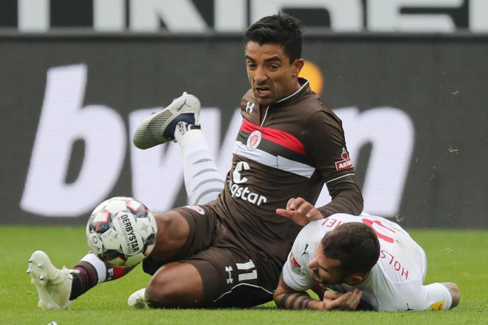 Sami Allagui hat selbst am Boden den Ball fest im Blick.