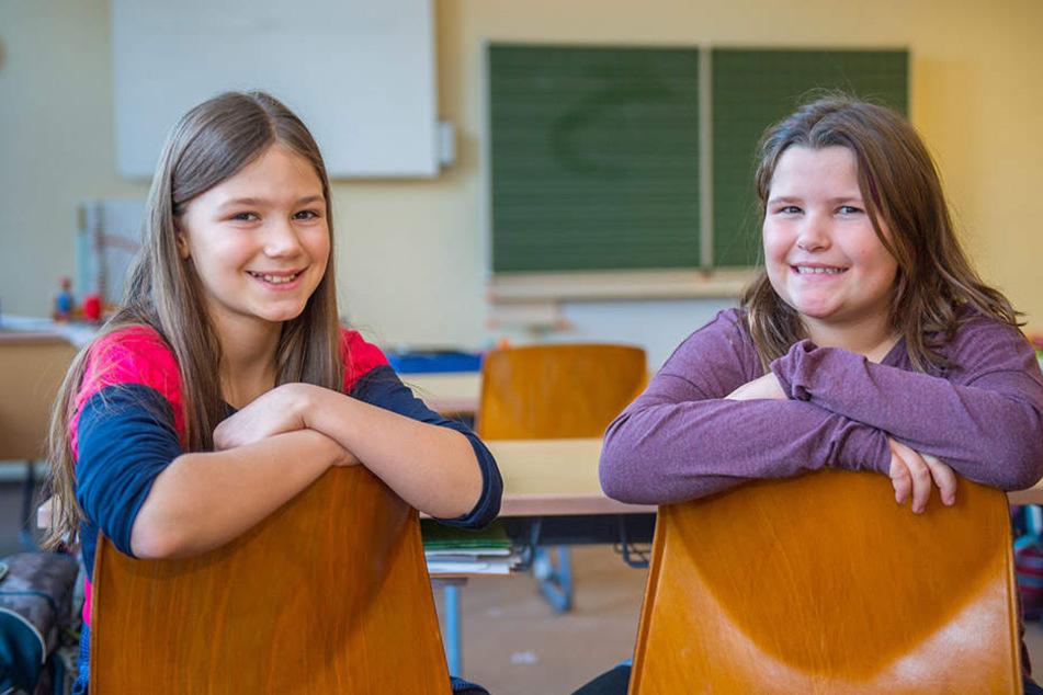 Nikita Ihle (10, r.) und Josy Mohr (9) kämpfen für die Wünsche der Thalheimer Kinder.