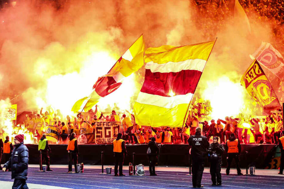 Optisch schön, aber zu welchem Preis - der DFB bestraft jedes Bengalo mit 1000 Euro!