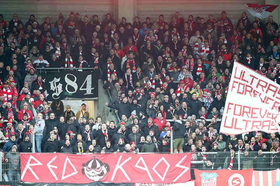 Damit die FSV-Fans auch in Zukunft Drittliga-Fußball in Zwickau sehen können, muss der Verein neue Wege gehen.