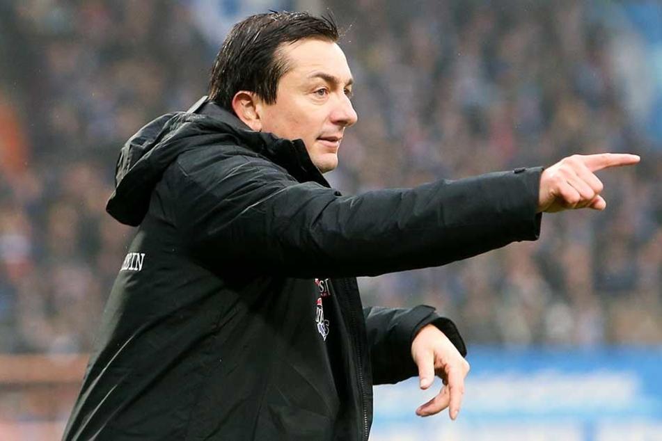 FCE-Trainer Daniel Meyer will mit Aue der erste Berlin-Bezwinger der Saison werden.
