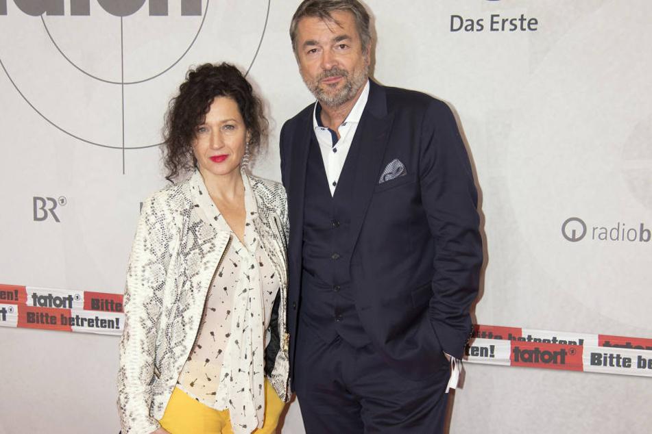 Liz Ritschard (Delia Mayer, 51) und ihr Kollege Reto Flückiger (Stefan Gubser, 61) werden Tatort-beerdigt... Seit 2012 haben sie gemeinsam ermittelt.