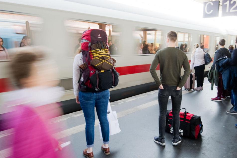 Durch die neue Technik könnten erheblich mehr Züge fahren. (Symbolbild)