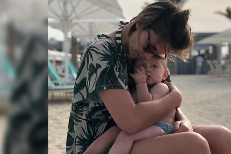 Im Dubai-Urlaub konnten sich Mutter und Sohn noch entspannen.