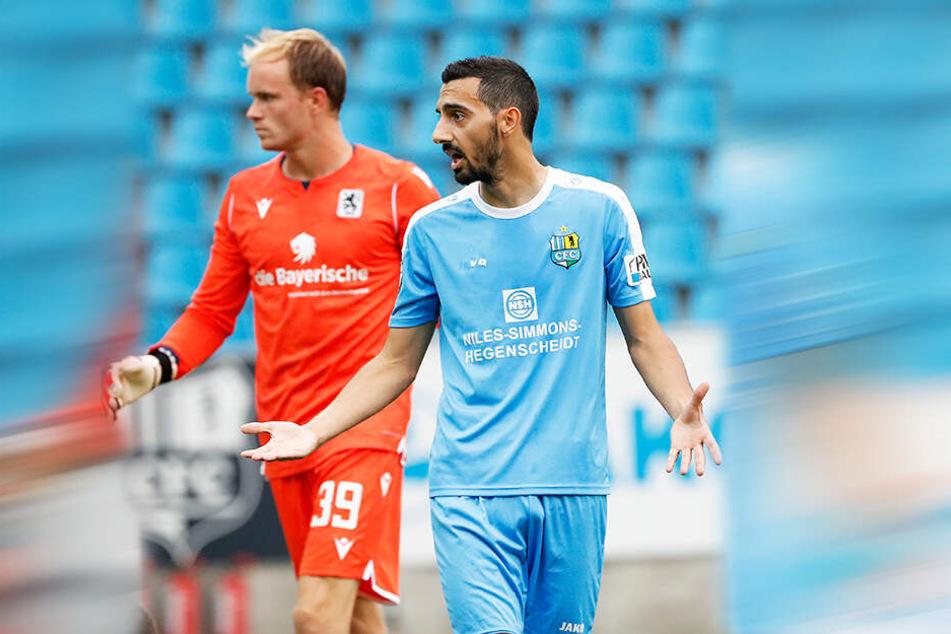 Was war das, scheint Rafael Garcia? Er und der CFC verloren ein schwaches Drittliga-Spiel gegen den TSV 1860 München.