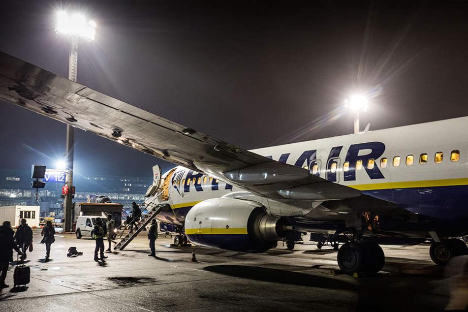 Französische Behörden haben ein Flugzeug der irischen Billigfluggesellschaft Ryanair beschlagnahmt. (Symbolbild)