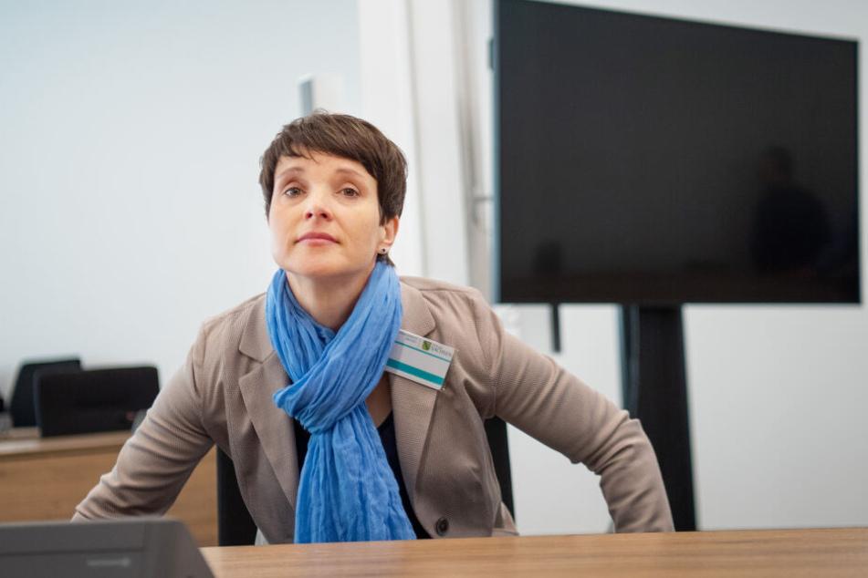 Frauke Petry (43, Blaue Partei).