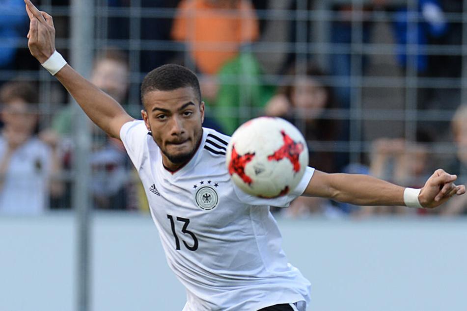 Jeremy Toljan 2017 im Trikot der U21-Auswahl des DFB.