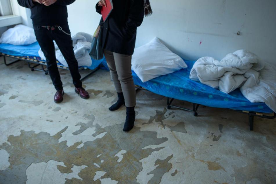 Mehr als 44.400 Menschen müssen in NRW in behelfsmäßigen Unterkünften leben.