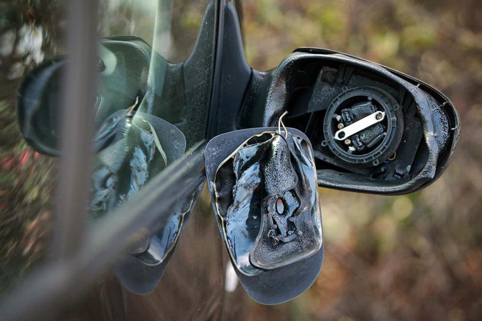 14 Autos wurden beschädigt. Doch das war nicht alles! (Symbolbild)