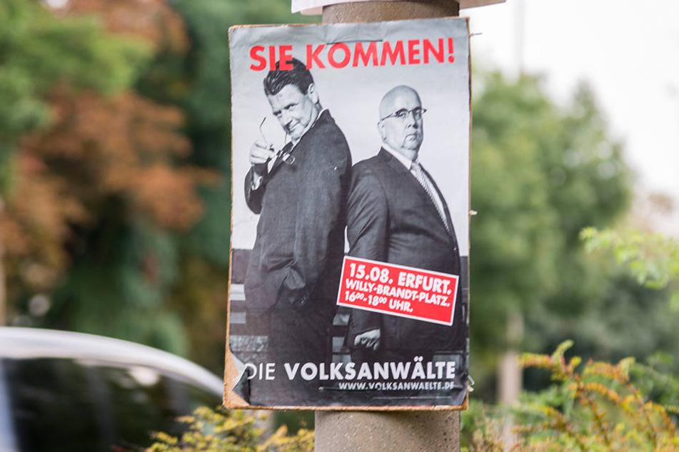 Mit diesen Plakaten sollen sich die Spitzenkandidaten strafbar gemacht haben.