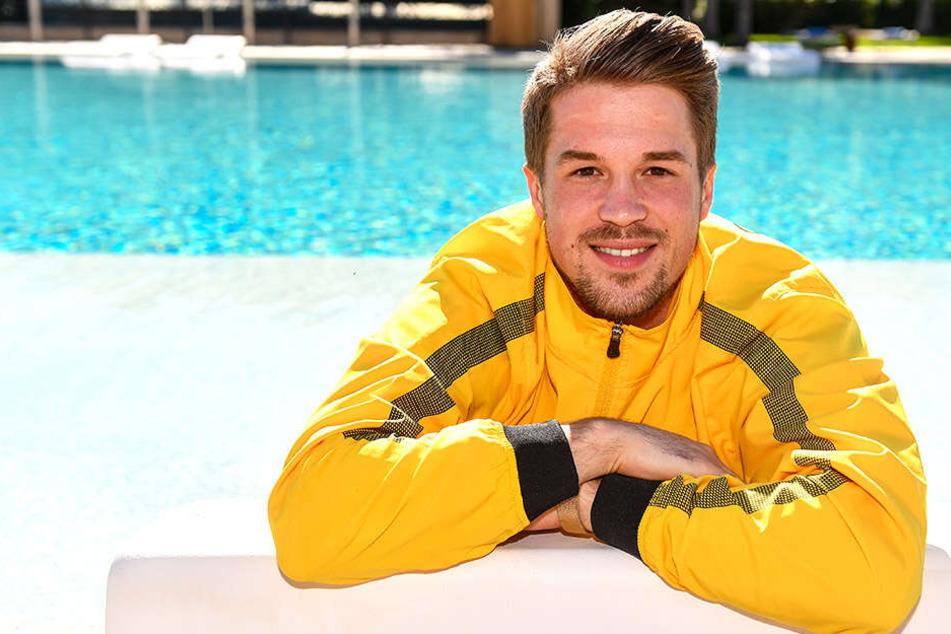 "Patrick Möschl am Pool des Dynamo-Teamhotels ""Regnum Carya"""
