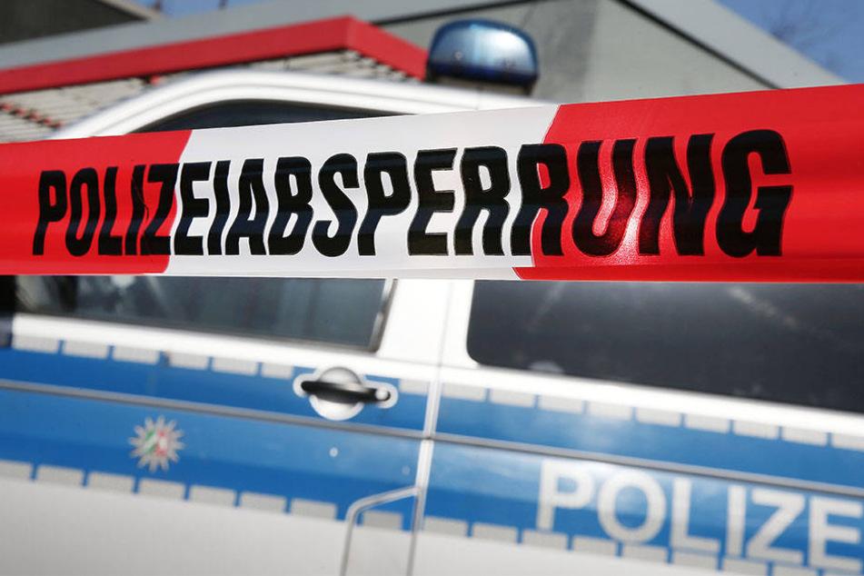 Die Polizei suchte vergeblich nach der angekündigten Bombe. (Symbolbild)