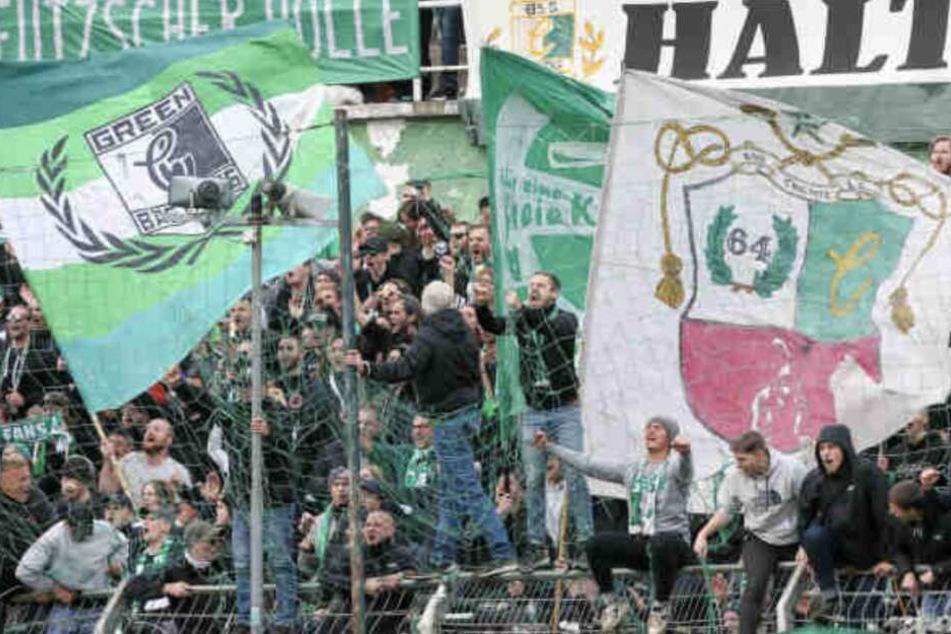 Die Fans von Chemie Leipzig konnten sich über einen Punkt beim Berliner AK freuen. (Symbolbild)