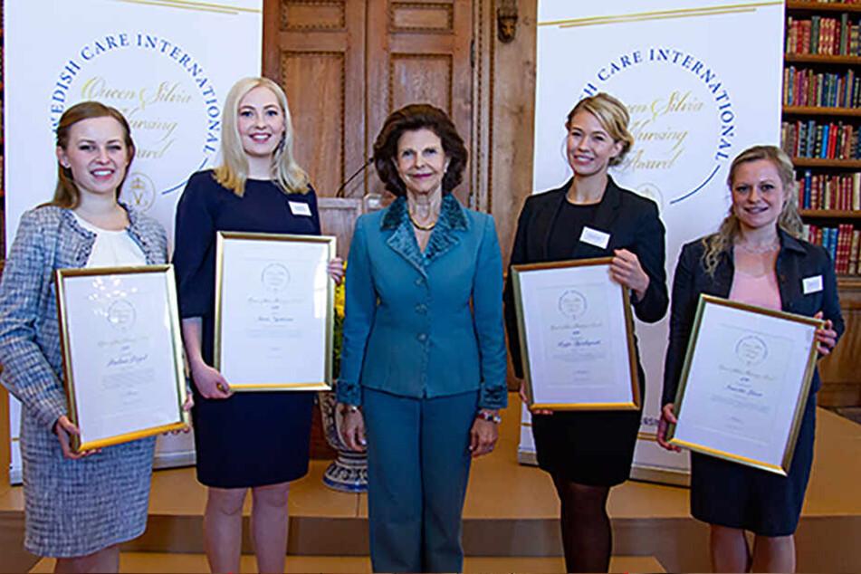 Annette Löser (38, r.) erhielt am gestrigen Dienstag gemeinsam mit Gewinnerinnen aus Polen, Finnland und Schweden ihre Auszeichnung von Königin Silvia.