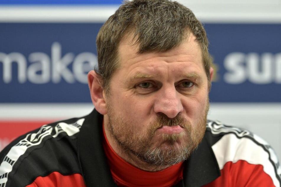 SCP-Coach Steffen Baumgart ärgert sich nach dem Spiel über verpasste Chancen.