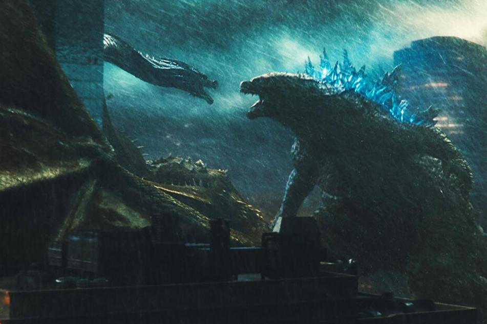 Nur Godzilla (r.) kann Ghidorah stoppen.