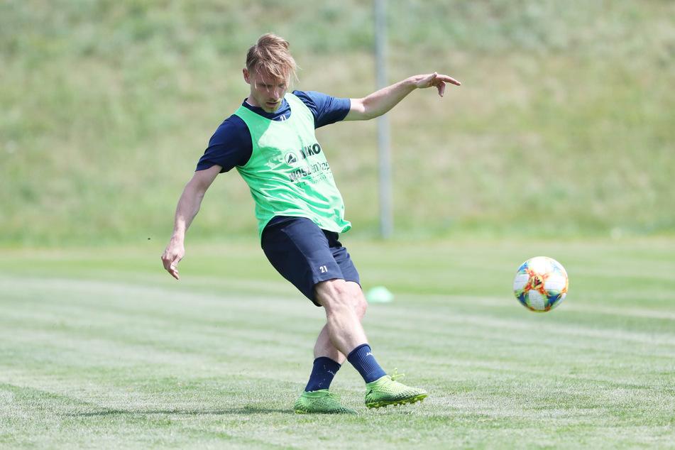 Robert Zickert beim Training im Chemnitzer Sportforum. Der Neuzugang der Himmelblauen freut sich auf die neue Herausforderung und eine attraktive Liga.