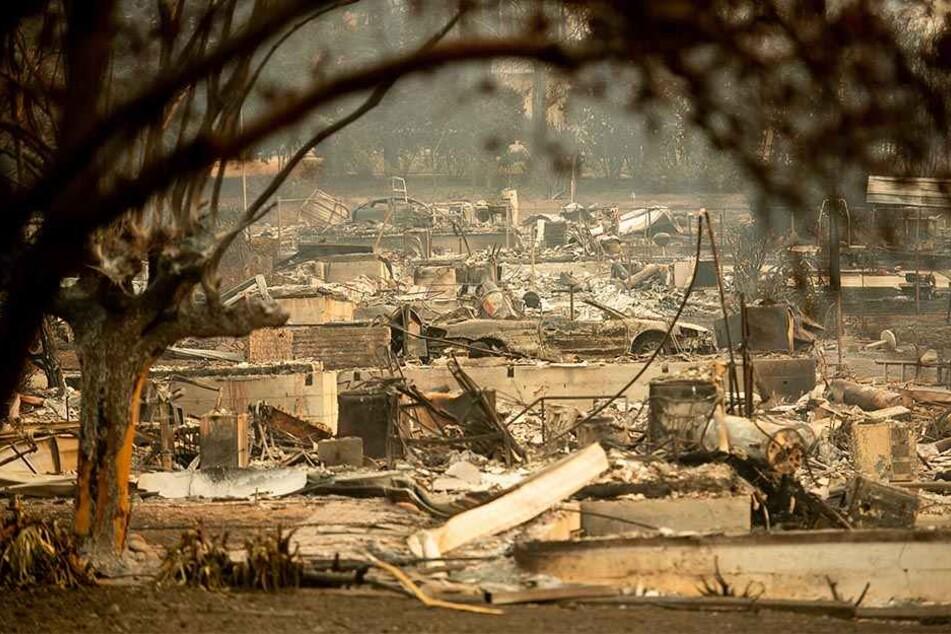 In manchen Ortschaften ist nur noch Schutt und Asche geblieben.