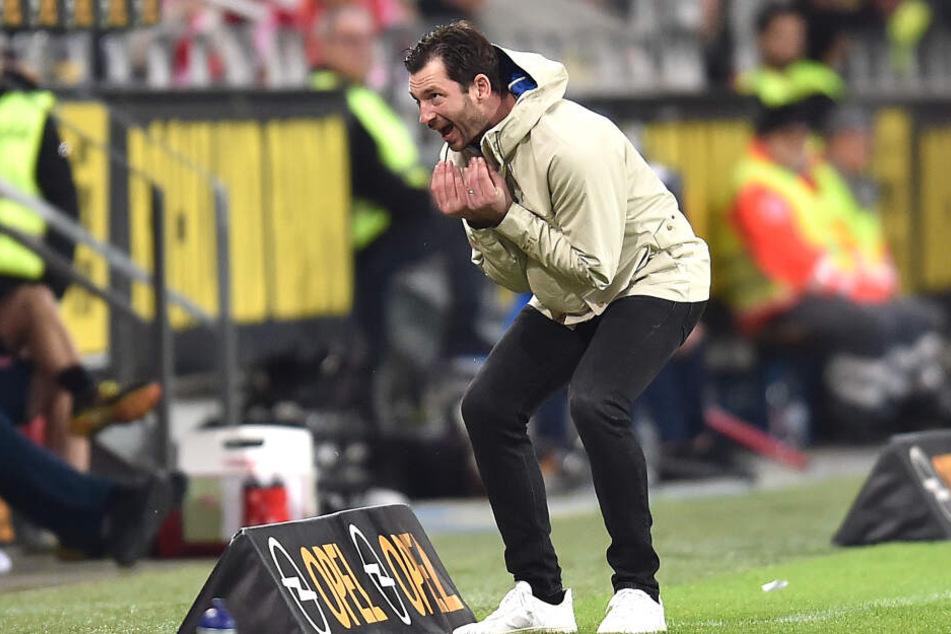 """Sichtlich angetan war hingegen der Mainzer Trainer Sandro Schwarz. """"Es war ein großartiges, intensives Spiel mit offenem Visier"""", sagte er im Anschluss an die Partie."""