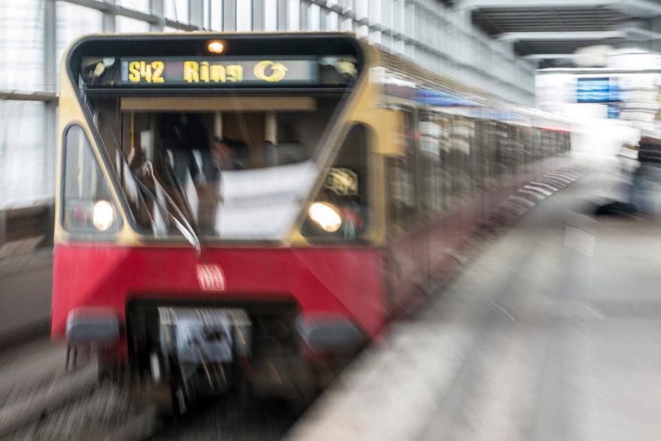 Verspätete Züge sollen bei einem Pilotprojekt auch Station überfahren.