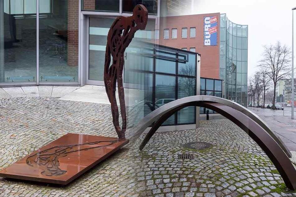 Teure Anschaffung: Zwei Skulpturen schmücken neuen Friedensplatz