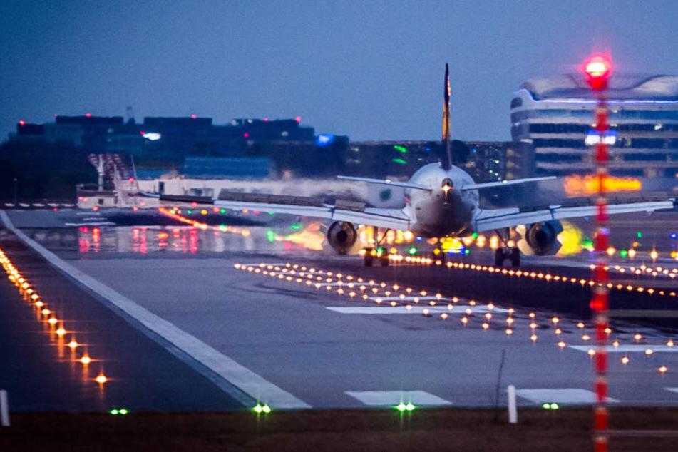 Dreist! So oft wird das Nachtflugverbot am Flughafen ignoriert