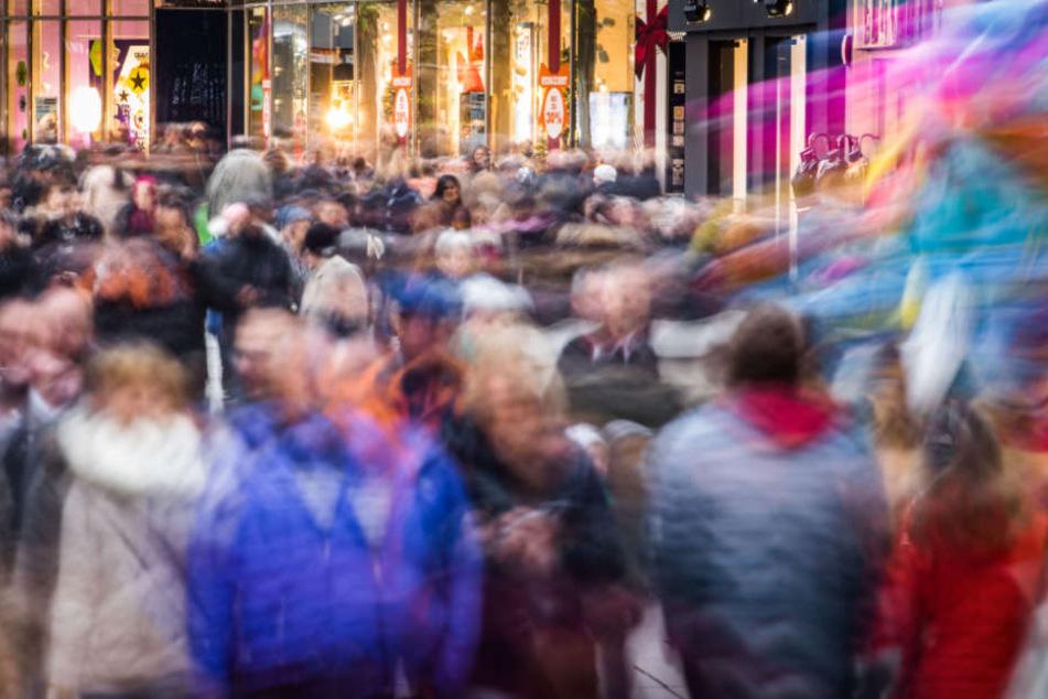 Aus Angst vor Lieferengpässen: Kunden kauften bewusst in Geschäften ein
