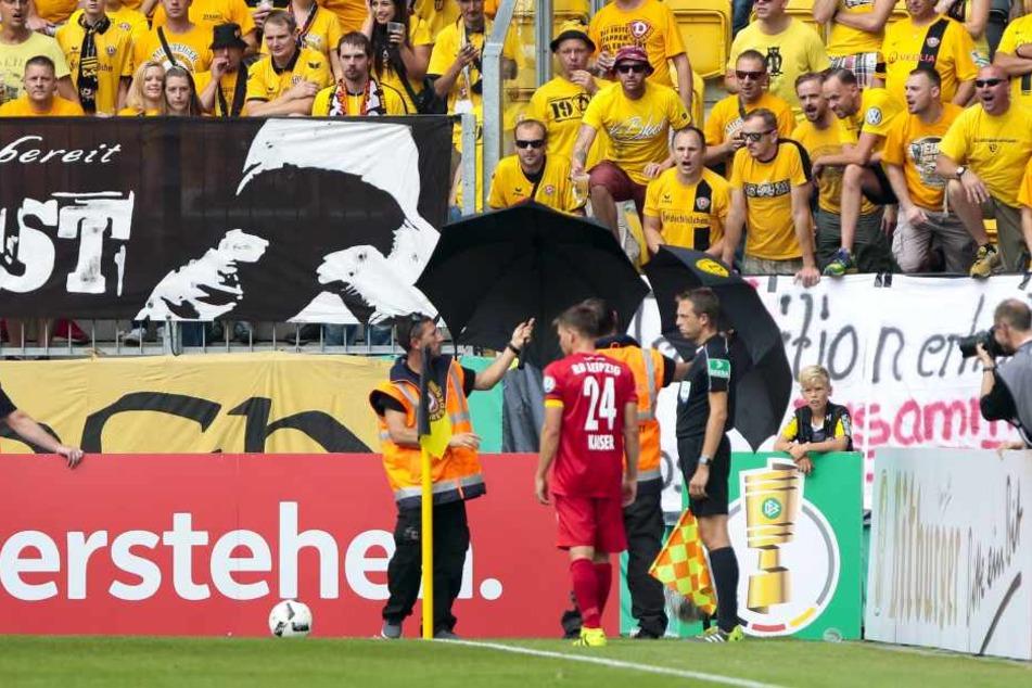 """Beim DFB-Pokalspiel im August 2016 bekam Dominik Kaiser die """"Zuneigung"""" der Dynamo-Fans zu spüren. Aber im Fußball ändern sich die Zeiten schnell..."""