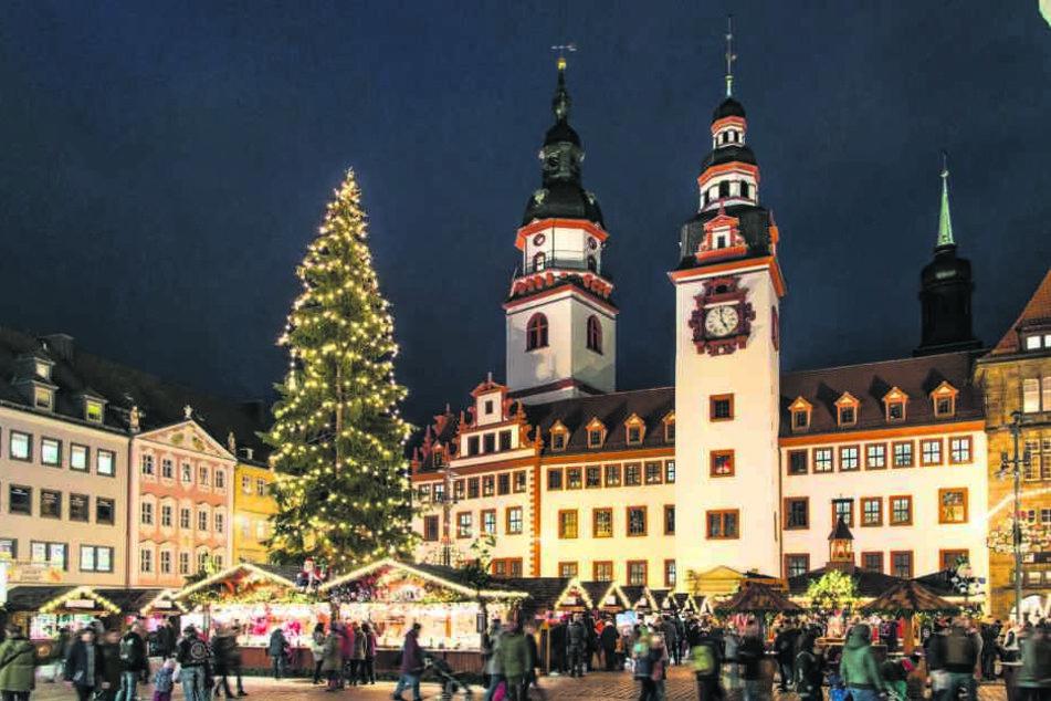 Verkürzter Budenzauber: Von Sonntag bis Donnerstag hat der Chemnitzer Weihnachtsmarkt dieses Jahr nur bis 20 Uhr geöffnet.