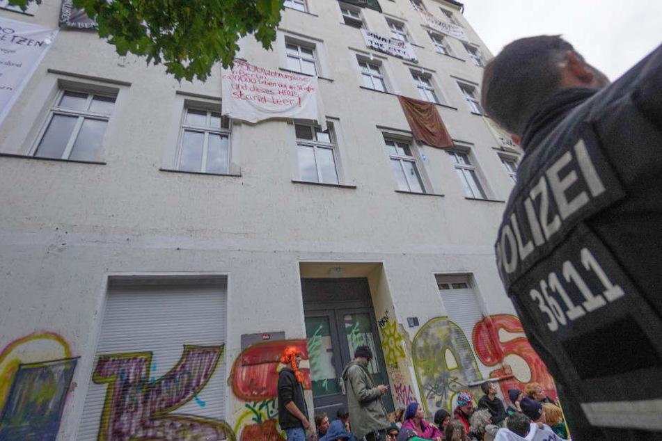 Die Besetzung soll eine Antwort auf voranschreitende Touristifizierung und alltägliche Verdrängung von Menschen sein.