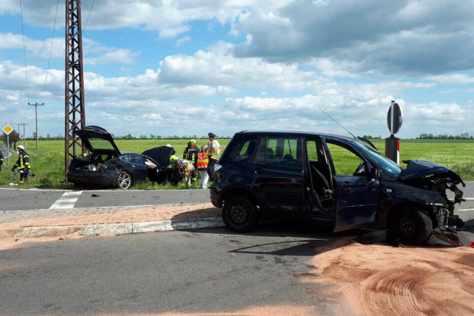 Dabei wurden laut Polizei drei Personen verletzt.