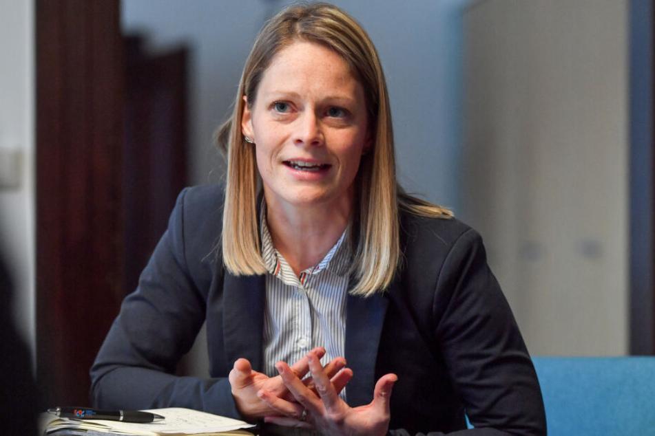 Deutet einen leichten Gästezuwachs an: Susan Endler (38) von der Chemnitzer Wirtschaftsförderungs- und Entwicklungsgesellschaft (CWE).