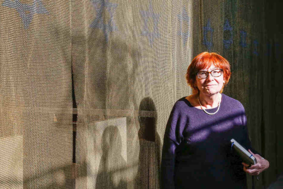 Nora Goldenbogen verweist auf den engen Bezug des Areals zur jüdischen Geschichte.